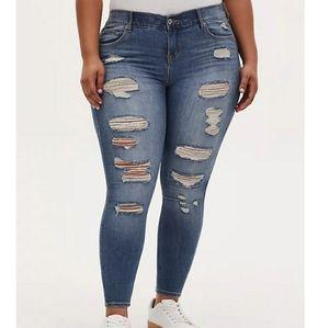 Torrid Premium Bombshell Skinny Jeans 24S New